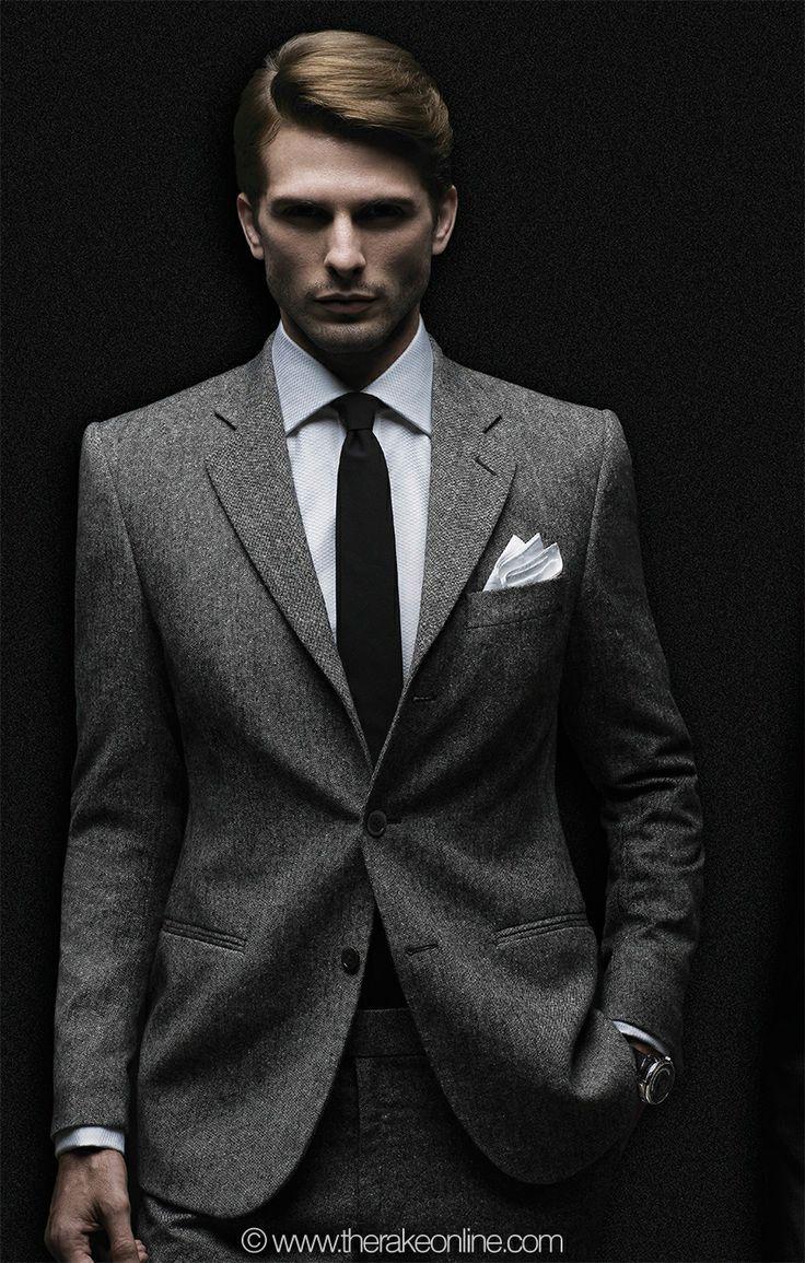 un costume classe homme renforce votre c t chic et l gant. Black Bedroom Furniture Sets. Home Design Ideas