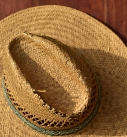 Avec quoi porter un chapeau de paille pour homme ?